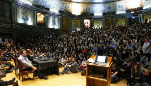 Asamblea-Colegio-Medicos-Madrid-huelga-indefinida